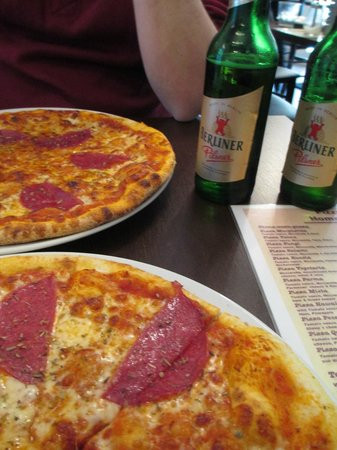 Little Einsteins Pizza Genial Die 10 Besten Restaurants Nahe Select Hotel Berlin the Wall Stock